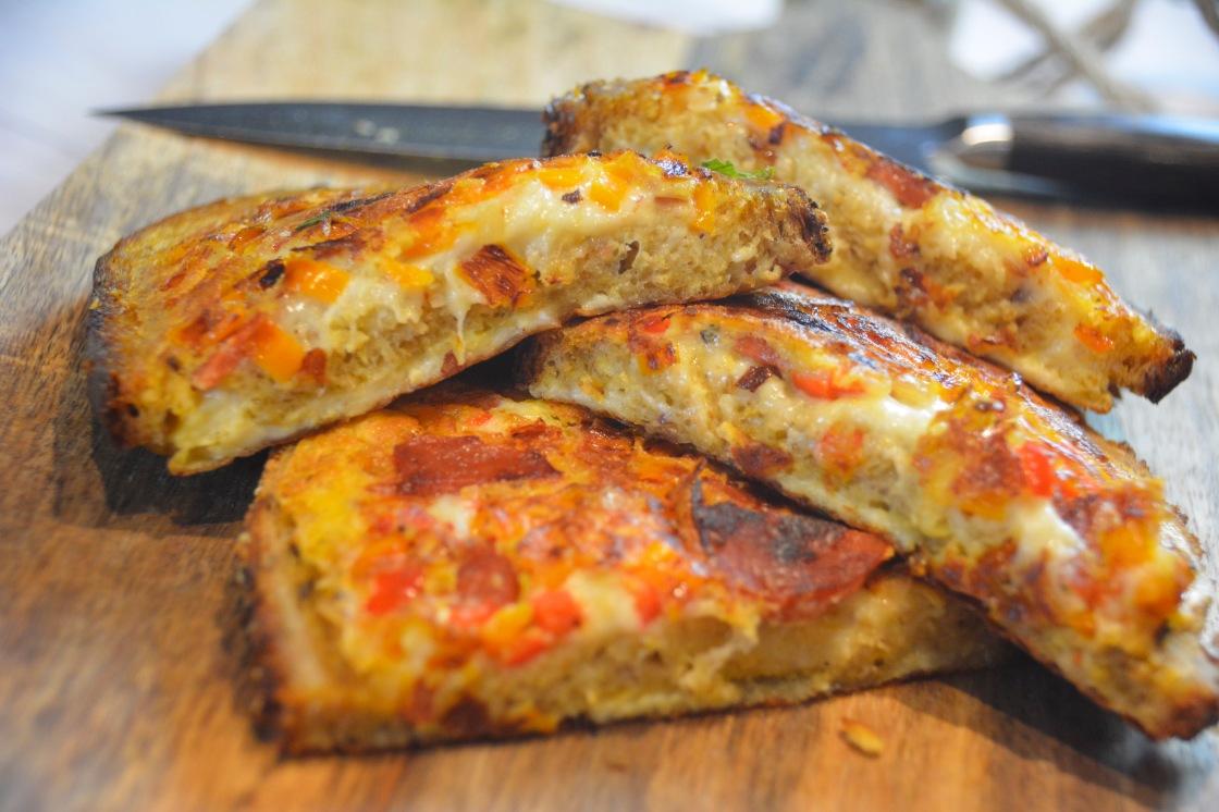 mozzarella brot chorizo paprika liebe mit biss. Black Bedroom Furniture Sets. Home Design Ideas