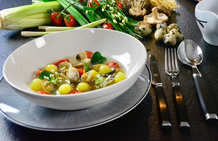 Muschelbouillon – Herzmuscheln- Kartoffeln –Kirschtomaten